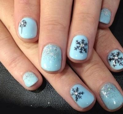 снежинки на ногтях голубые