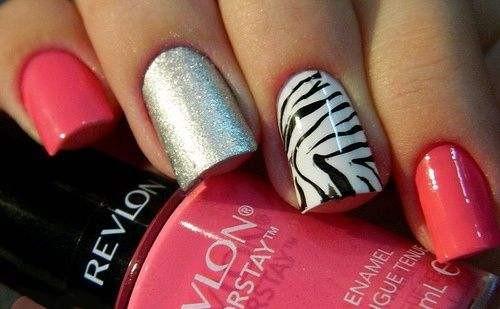 розово черно белые ногти и тигриные