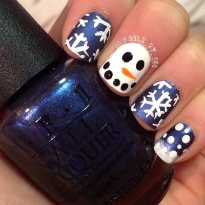 зимний маникюр - снеговик и снежинки