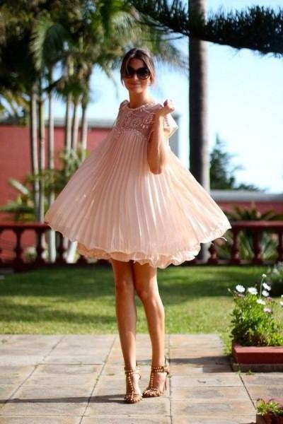плиссированное платье в стиле беби долл